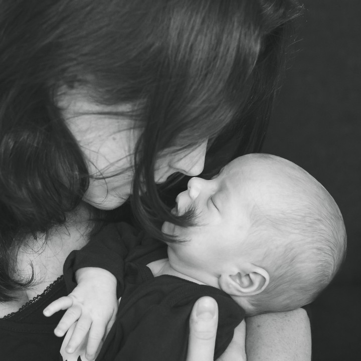 Lifestyle newbornshoot-gezinsfotografie, Noord-Brabant